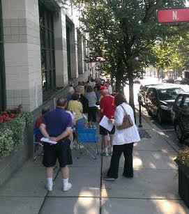 State Theatre members line up Northampton Street in Downtown Easton.  (Lynn Ondrusek Photo)