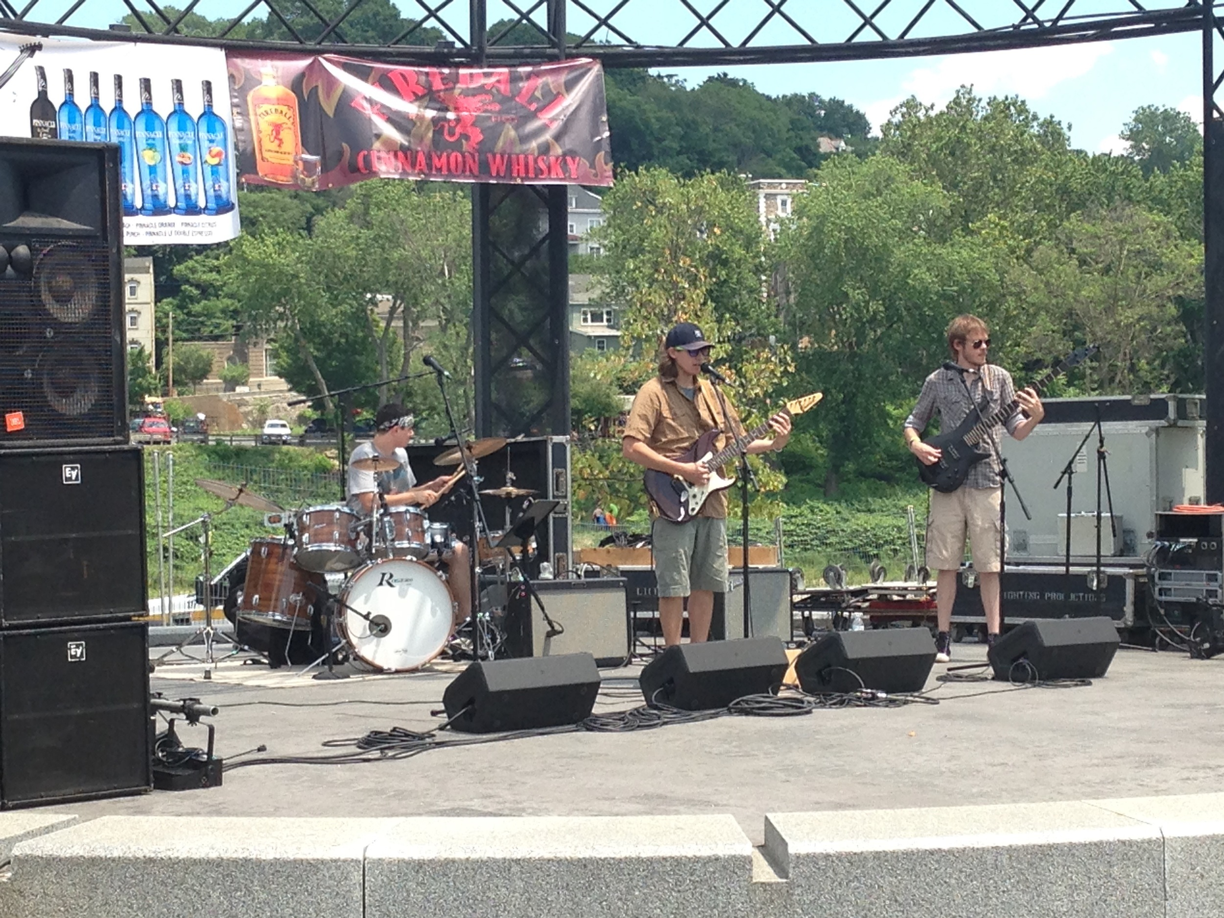 The Mosey Beet performs at Easton River Jam  (Dustin Schoof Photo)