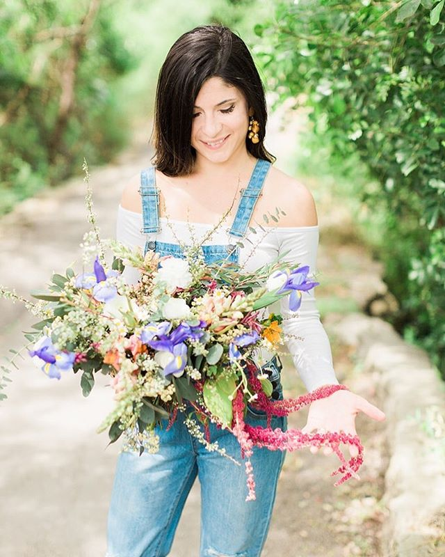 BOTH model and wildflower bouquet by @katyfloralee are GORGEOUS. Love my friends!! @danalynn89