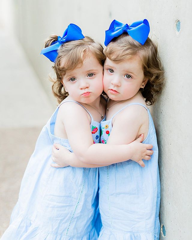 Happy birthday babies! We love all the excitement you bring to our family and can't imagine what we would do without y'all💕💕 #charlotteelin #camillekaroline #twingirls #twinsisters #identicaltwins #miraclebabies