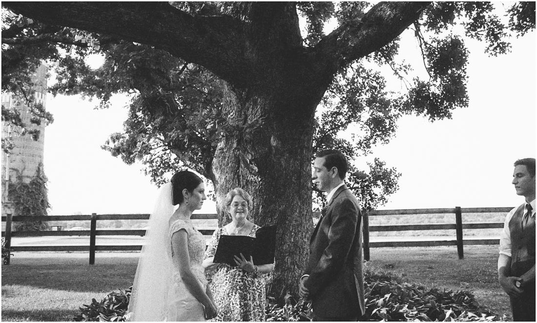Indiana_barn_Wedding-99.jpg