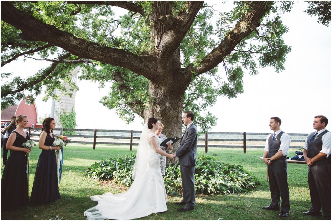 Indiana_barn_Wedding-103.jpg