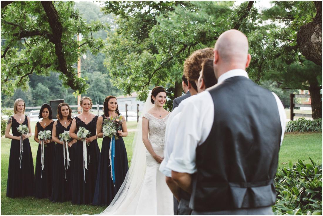 Indiana_barn_Wedding-113.jpg
