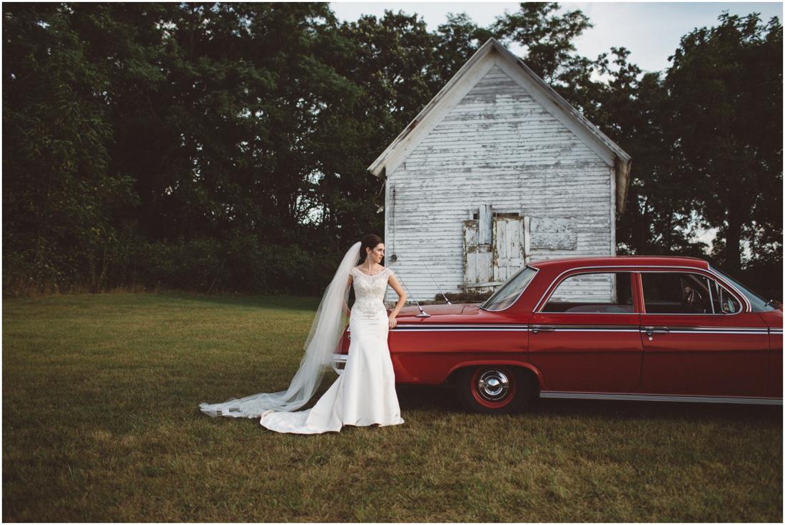 Indiana_barn_Wedding-136.jpg