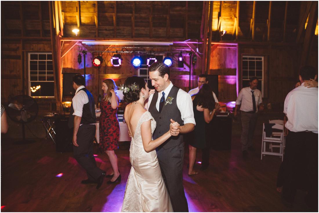 Indiana_barn_Wedding-173.jpg