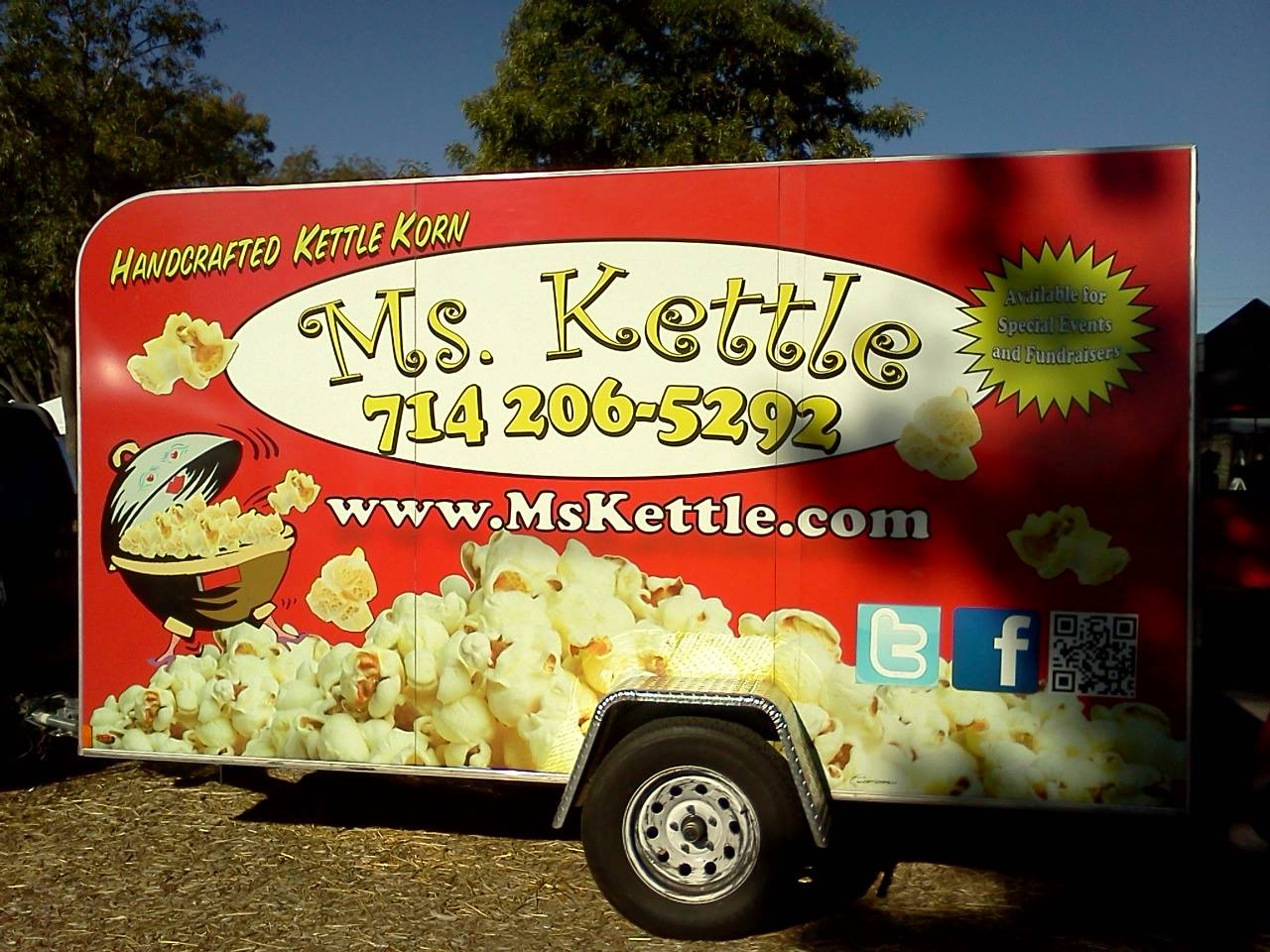 Ms Kettle Gourmet Kettle Korn - Serving Kettle Korn