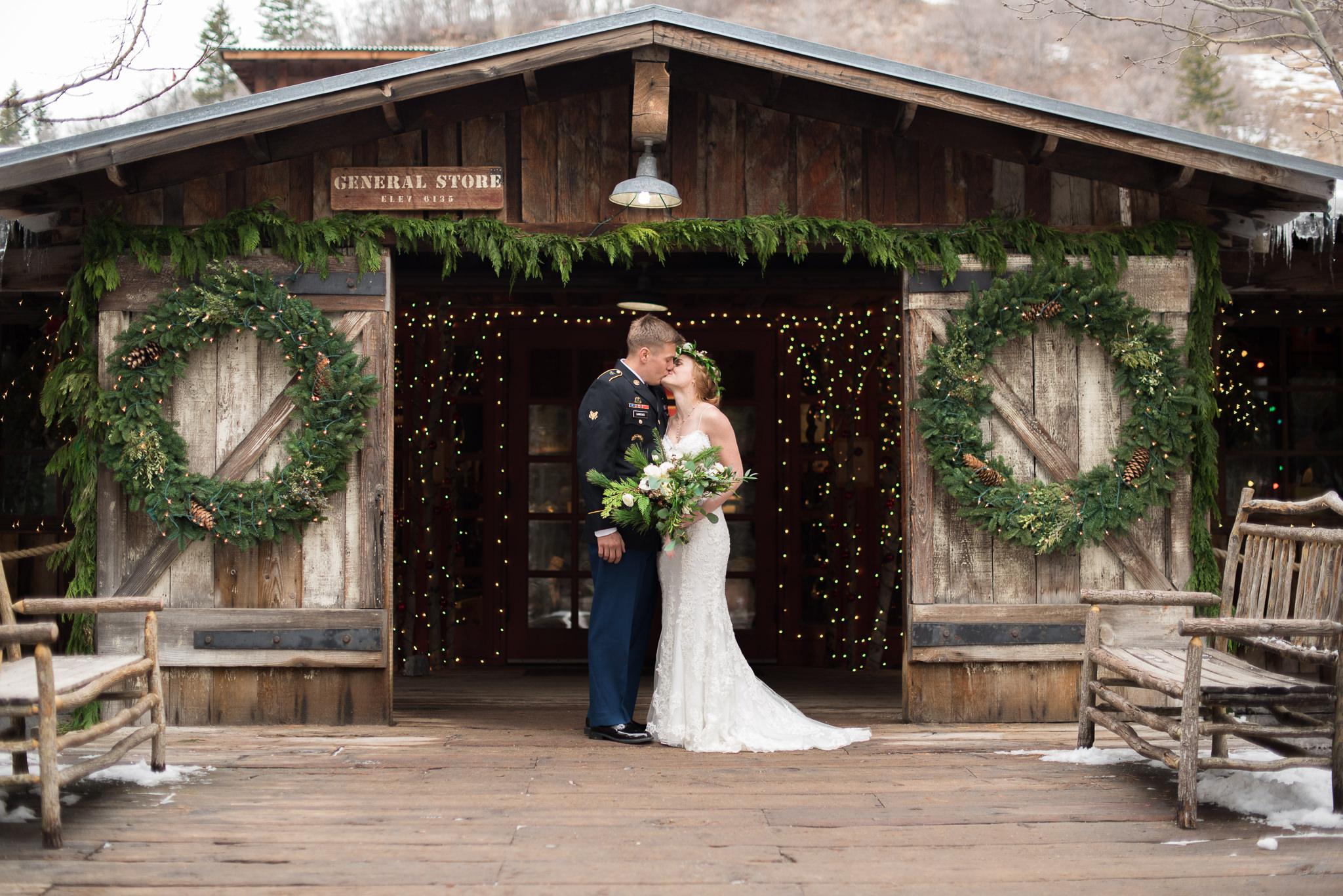 Trevor-Hooper-Wedding-Photographer-The-Bungalow-Wedding-Utah_CLR_019.jpg