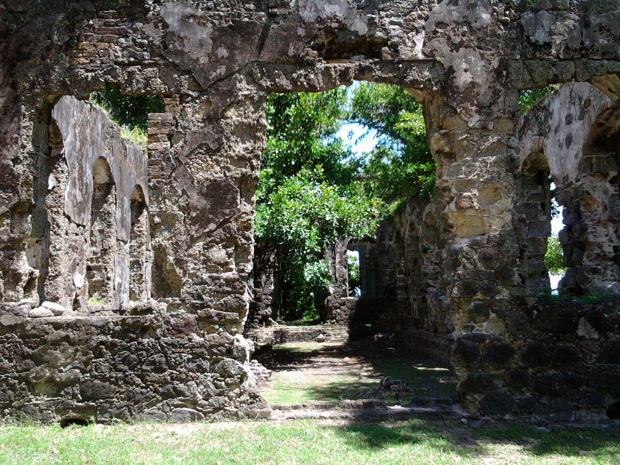 St.-Lucia-Fort-Rodney-Ruin.jpg