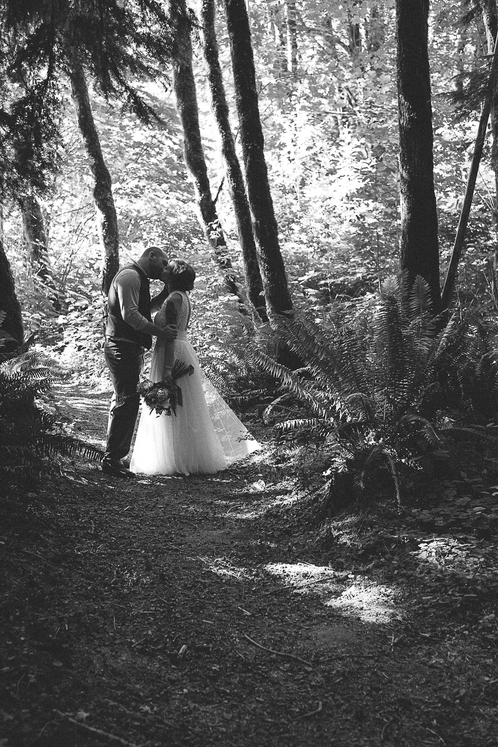 Camp Lane Wedding Oregon Wedding Photographers-33.jpg