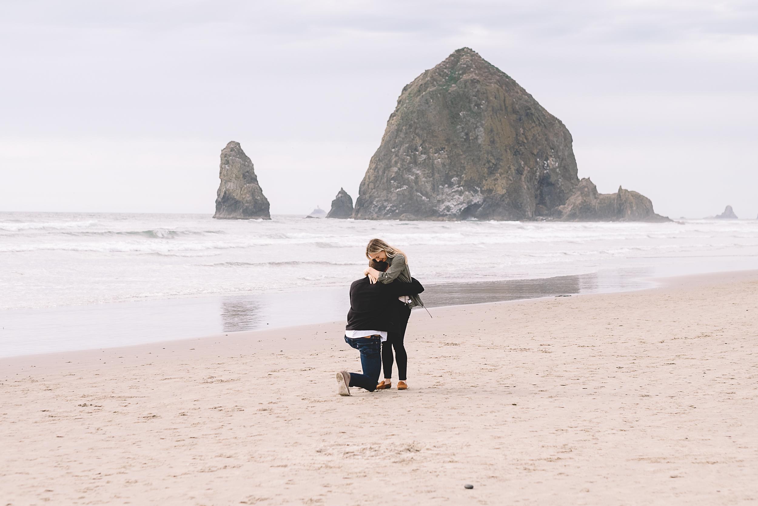 Cannon Beach Engagement Photography-12.jpg