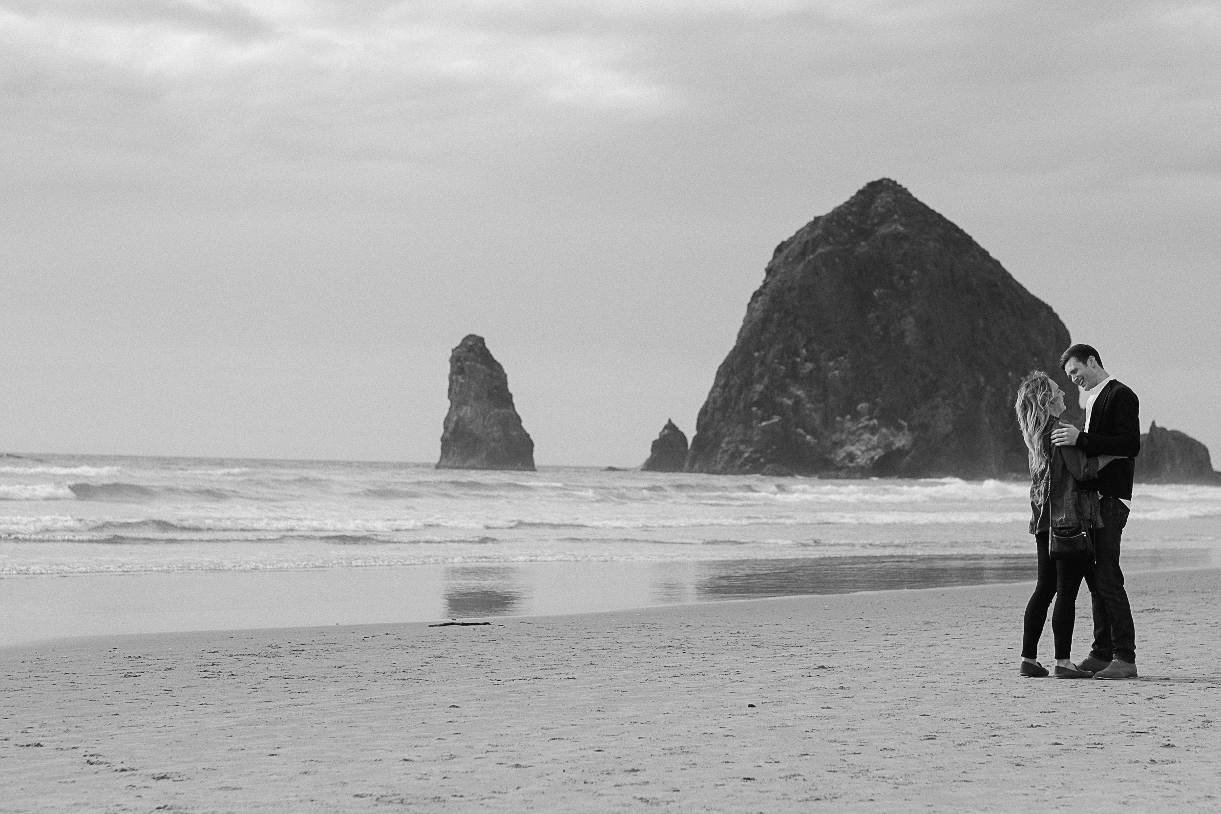Cannon Beach Engagement Photography-22.jpg