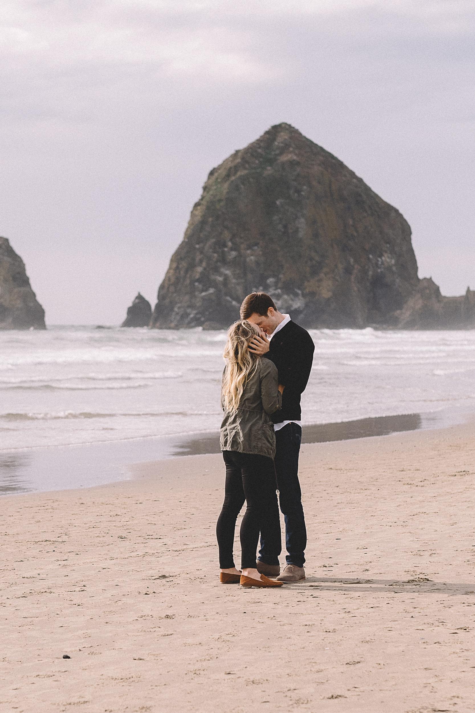 Cannon Beach Engagement Photography-24.jpg