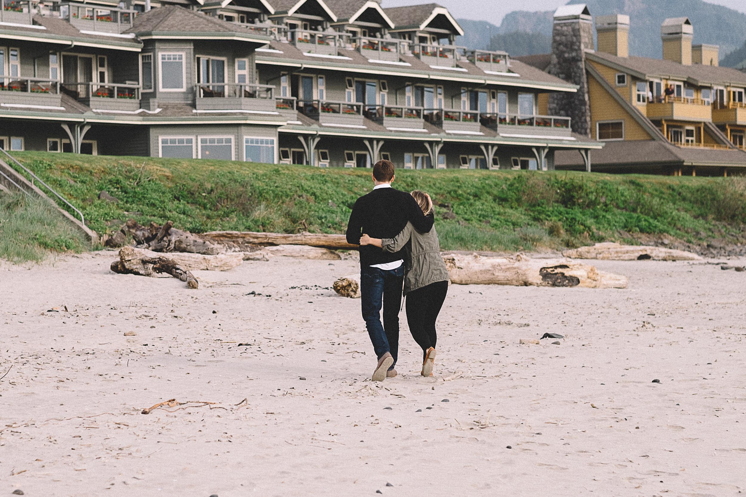 Cannon Beach Engagement Photography-43.jpg