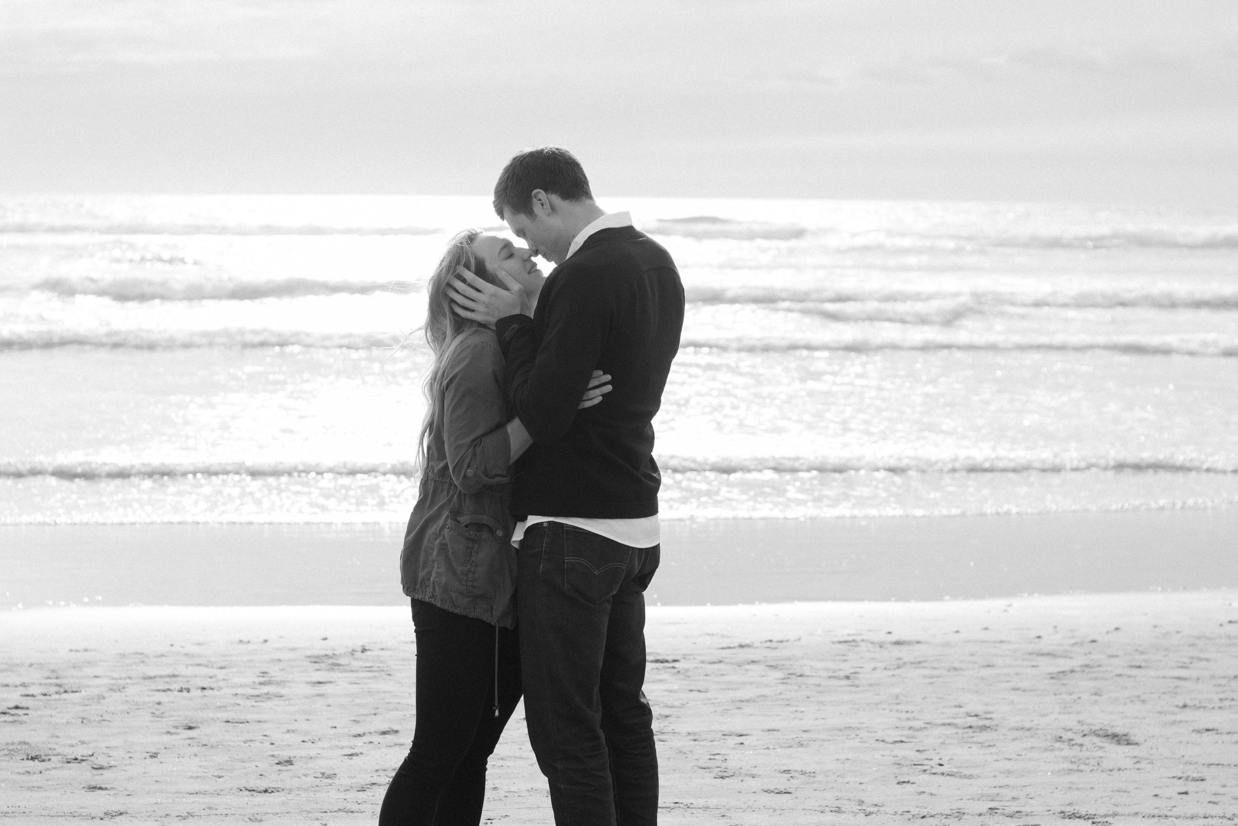 Cannon Beach Proposal Photography-22.jpg