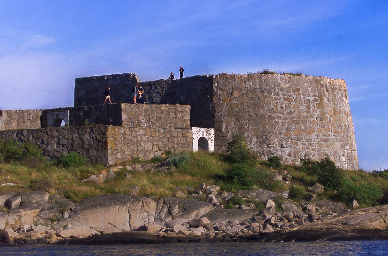 Sammen med naboøya Akerøya er Akerøy Fort er et populært sted om sommeren. Foto: Akerøyas Venner