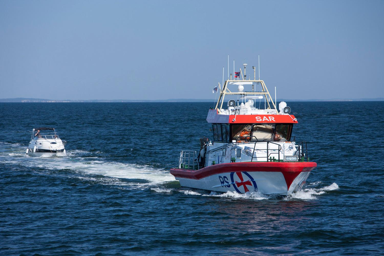 Flere mennesker enn noen gang bruker kystområdene som levebrød og til rekreasjon. I takt med at ferdselen på sjøen øker, trenger stadig flere Redningsselskapets hjelp.