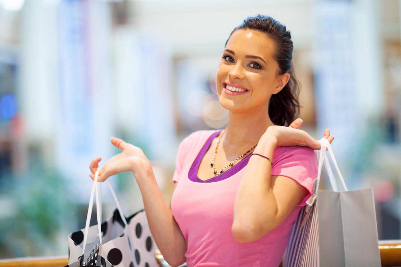 Den raskeste måten å bli kjent med en kvinne på er å gå på shopping med henne.  Marcelene Cox.   VINTERBRO