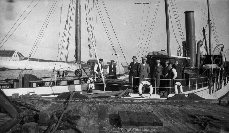 Brattestø havn i 1918.