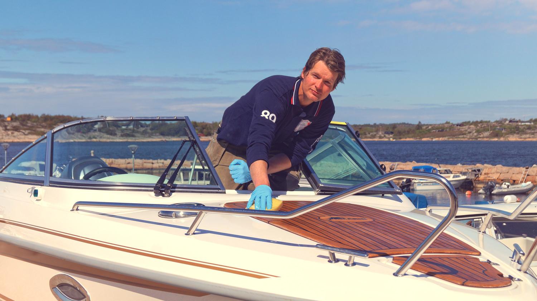 Henrik Helgesen er nå daglig leder i Brattestøhavn og båtservice. Som ungdom jobbet han i kiosken og sparte penger til egen båt.