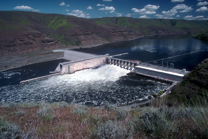 Lower Granite Dam on the lower Snake River is collecting silt. The Army Corps of Engineers wants taxpayers to pay $3.2 million per year so that barges can continue to navigate this and three other reservoirs on the lower Snake River.
