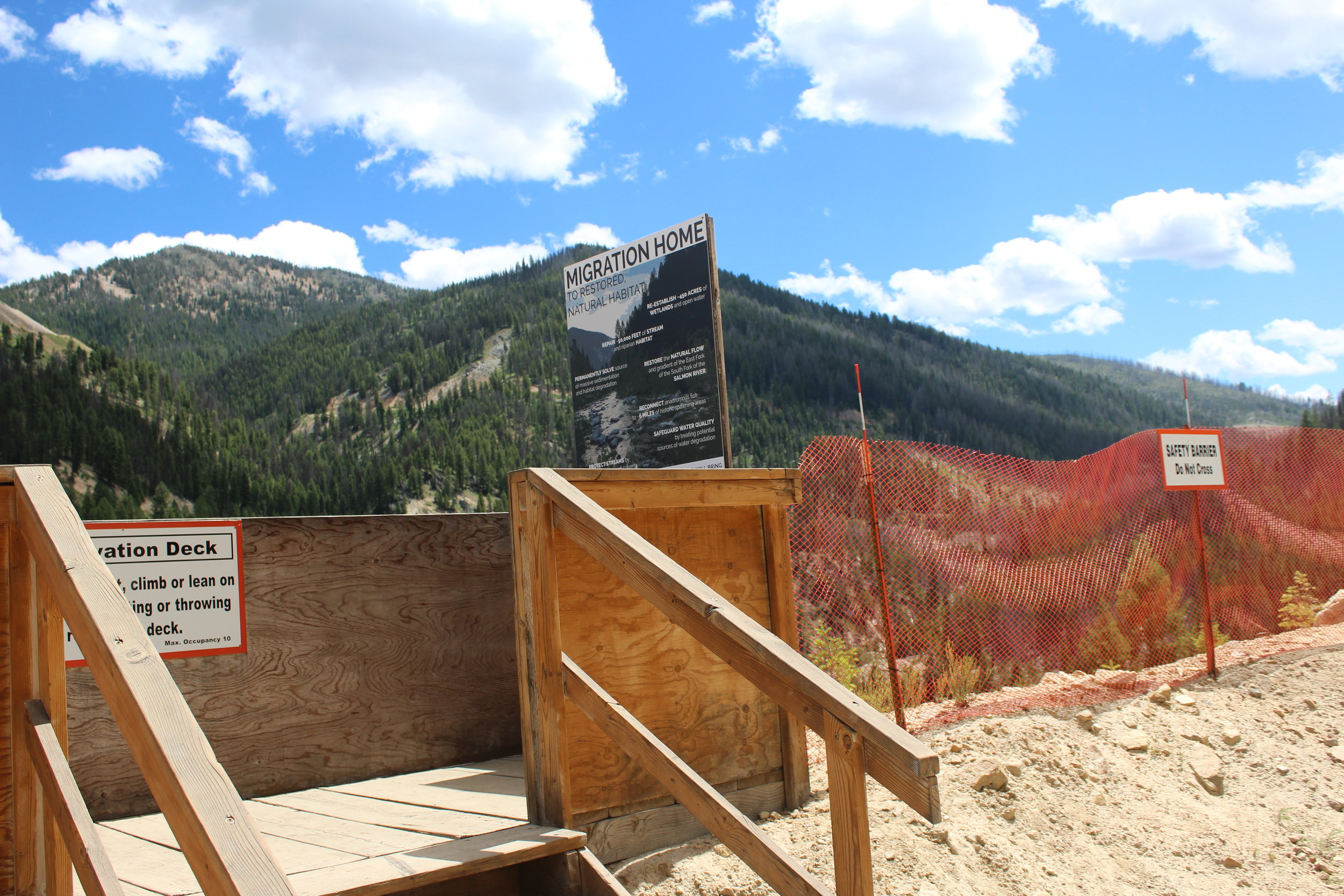 Massive pit viewing platform