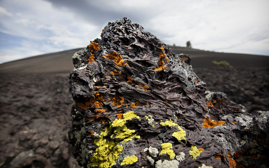 SETI S14. Basalt + Lichen at craters of the Moon.jpg