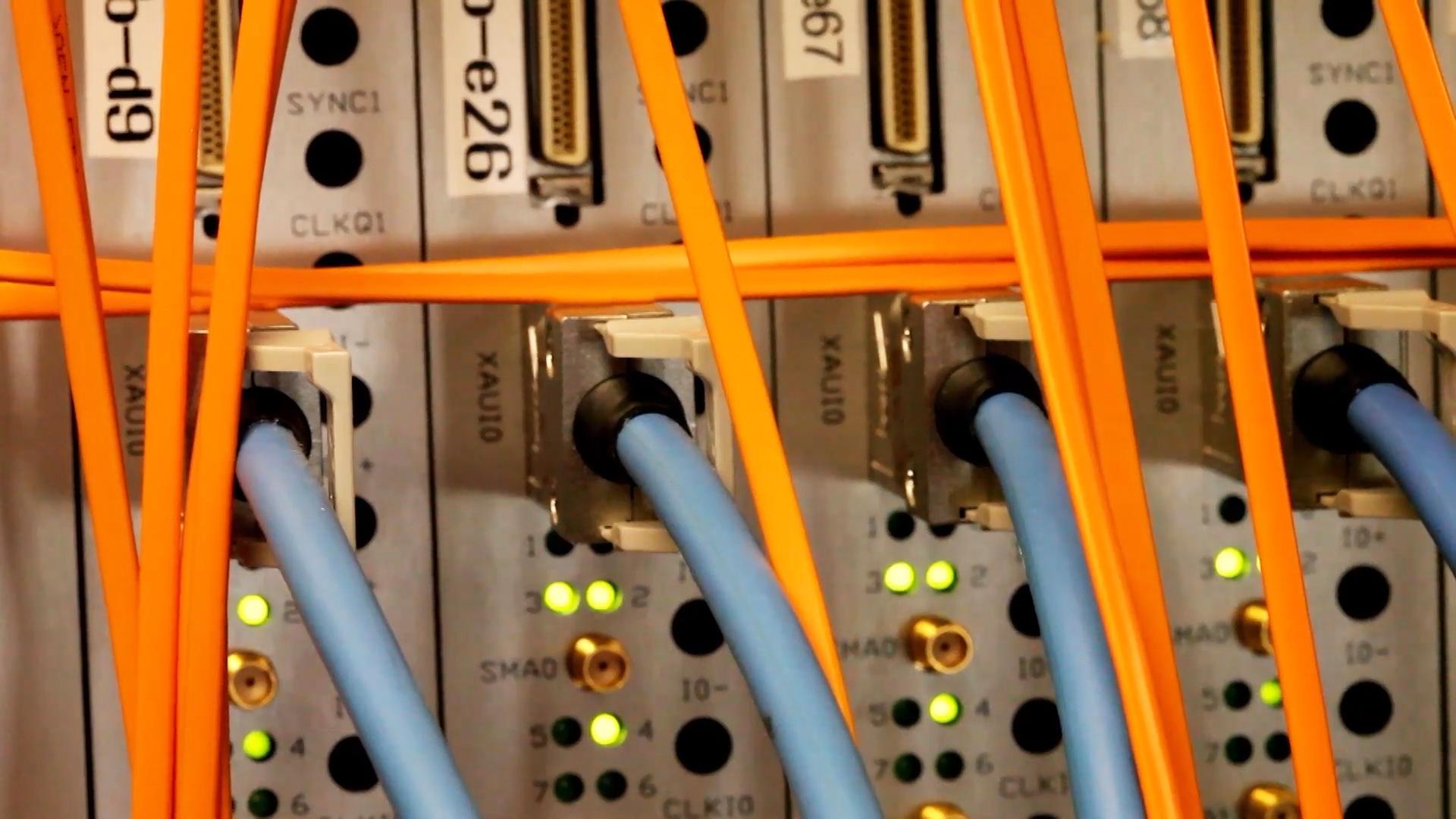35 NEAR(ER)Stillseticables.jpg