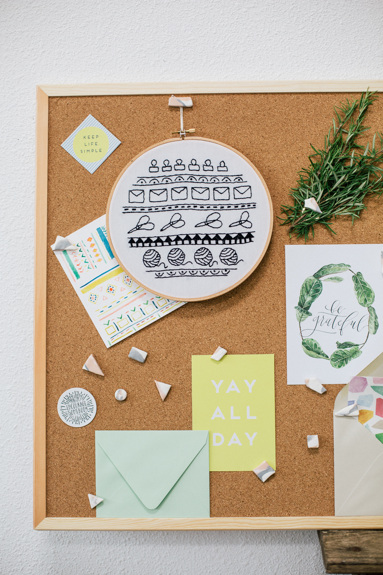 Paper Craft Pantry DIY Marbled Thumb Tacks