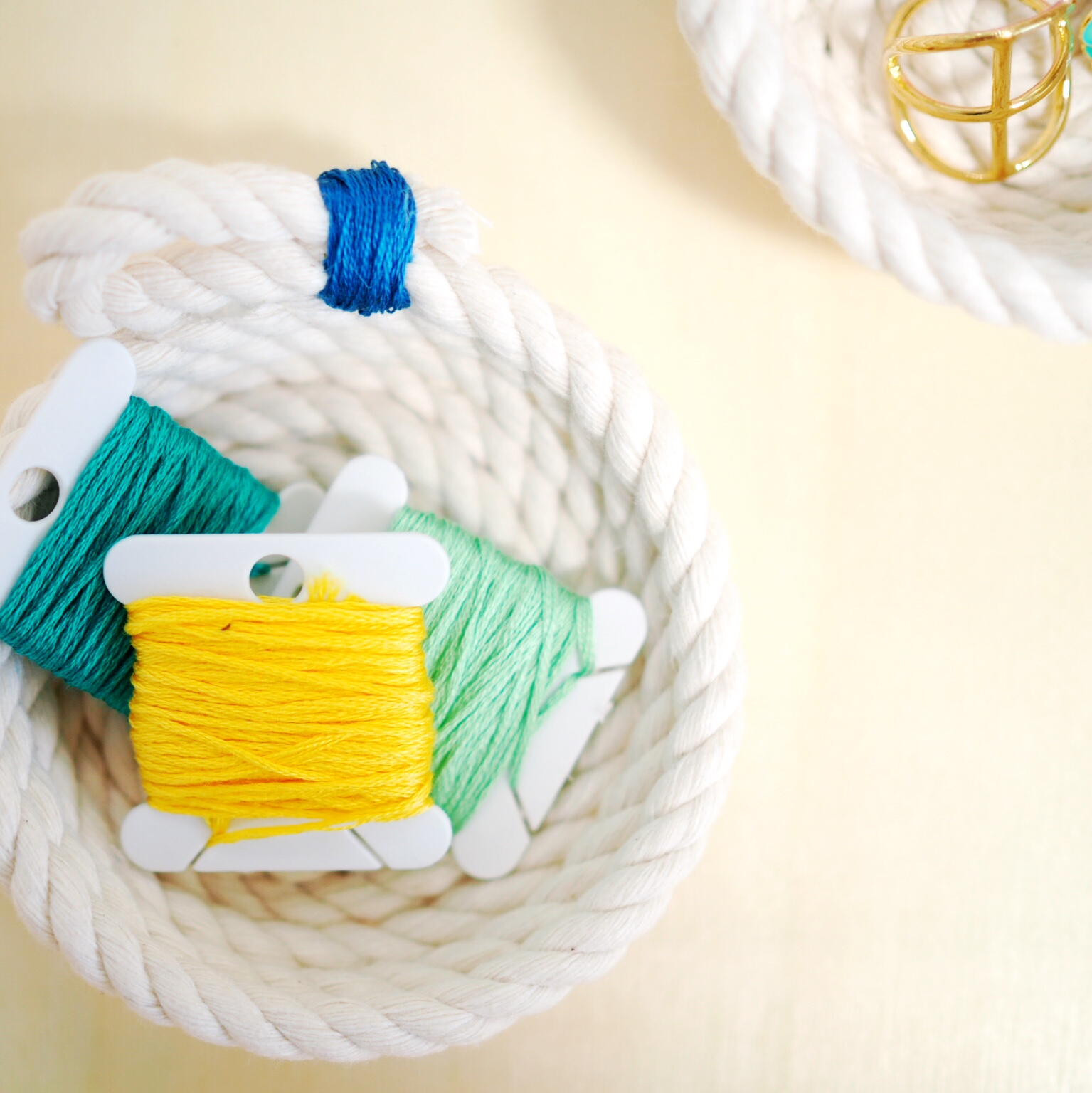 Craft a DIY rope bowl jewelry holder from 5 simple materials you already have at home