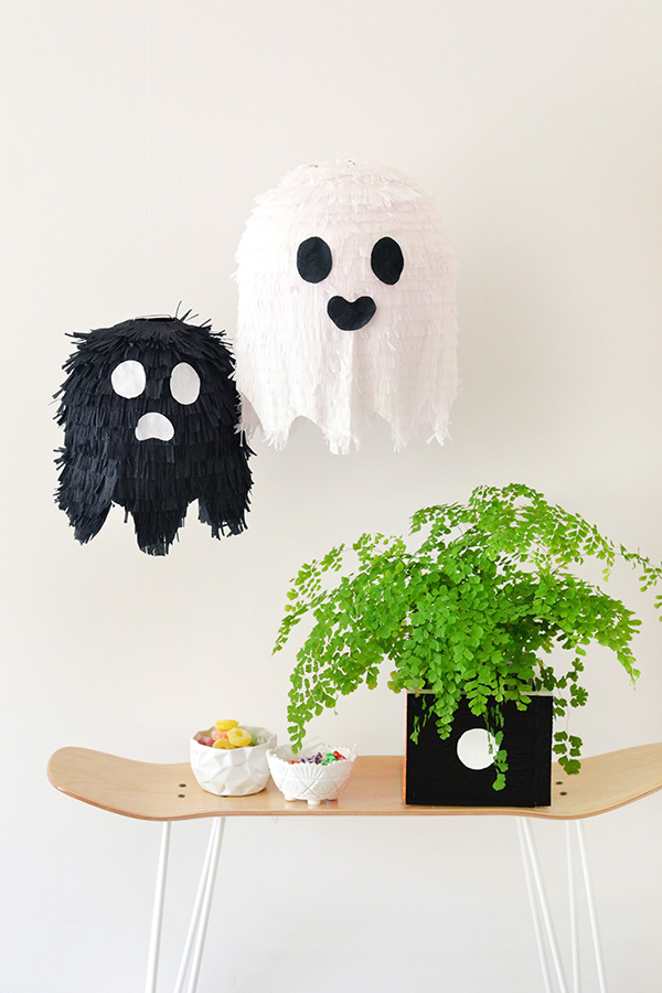 The Paper + Craft Pantry Blog: Black and white D.I.Y. ghost pinatas hung up making for the perfect decor or for the traditional use.