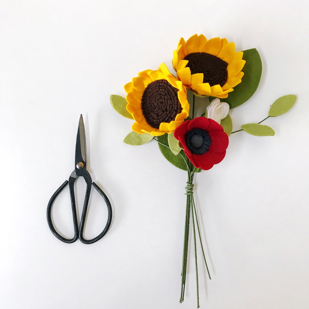 papercraftpantry-workshops-intro-to-felt-flowers-sunflowers-austin.jpg