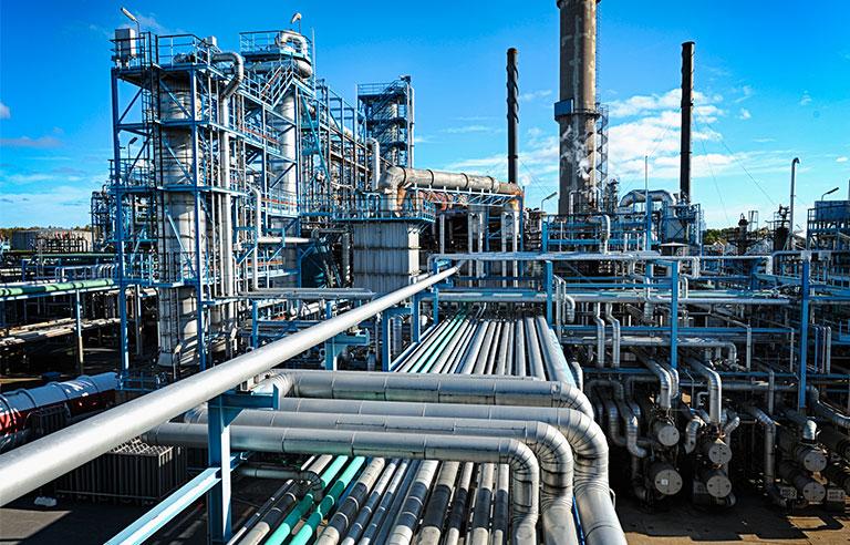 Oil Refinery.jpeg