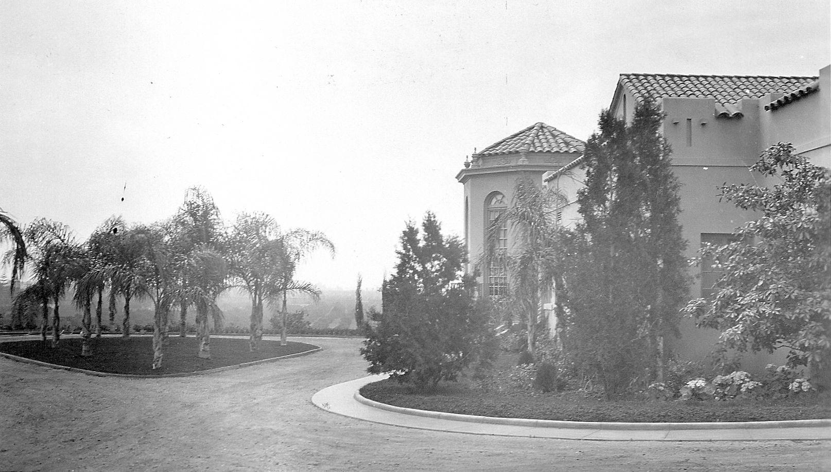Muckenthaler Villa's Main Drive