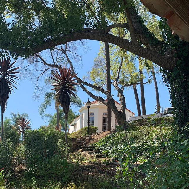 A beautiful day at The Muck! ☀️ . . .  #Muckenthaler #summerdays #1920sarchitecture #historichomes #historicbuildings #summerday #orangecountysummers