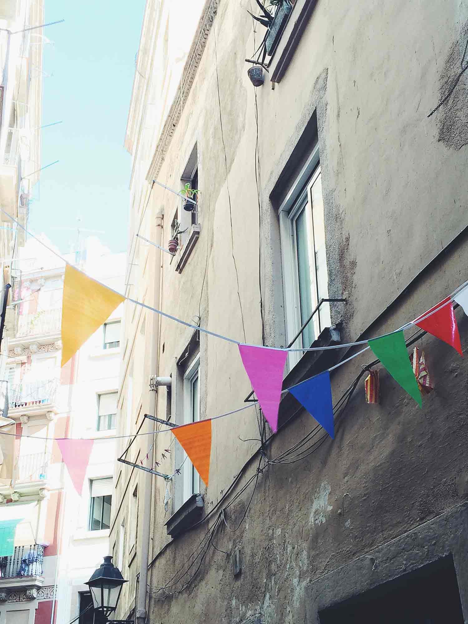 Barcelona_Streets-of-Color-OPT.jpg