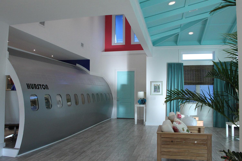 Plane-Fusalage-inside-House-Entry_o.jpg