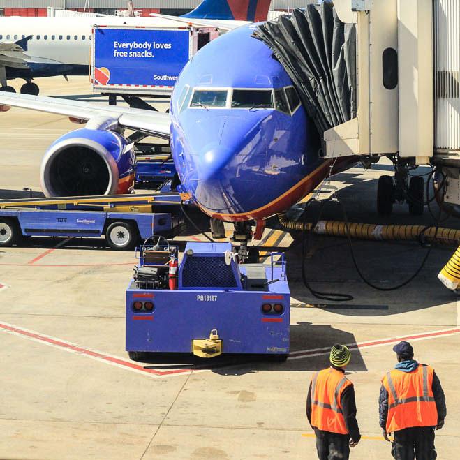 Atlanta_Airport_Ramp_Workers.jpg