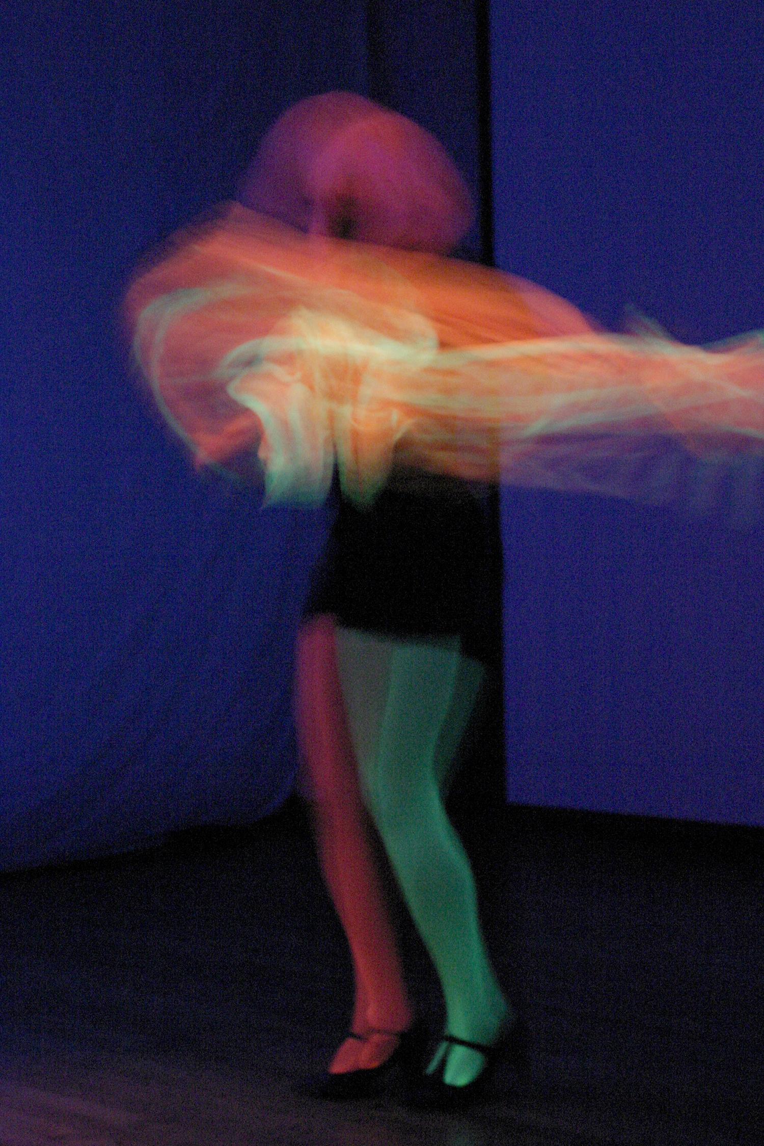 Neon_Dance_03.jpg