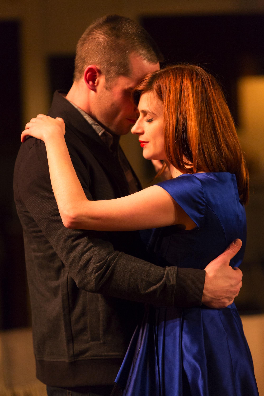 Jonathan (Luke Macfarlane) and Claire (Aya Cash)