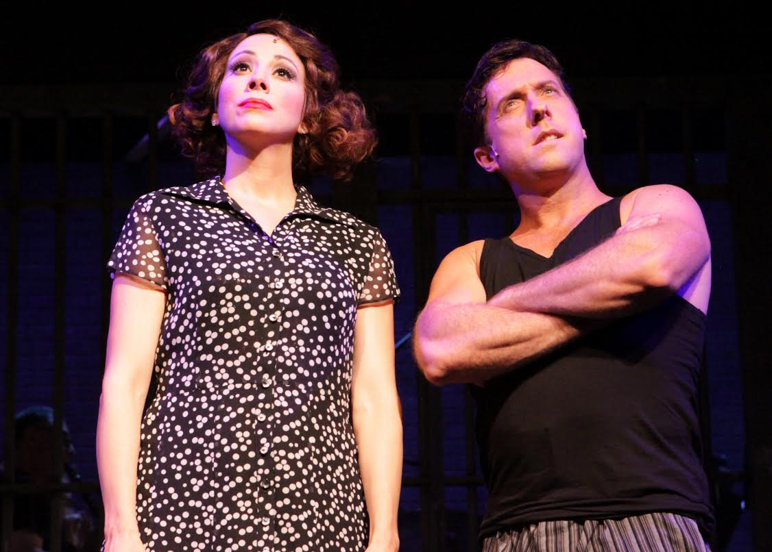 Roxie Hart (Lyn Philistine), Billy Flynn (Christopher Sutton) (photo: Anne Hudson)