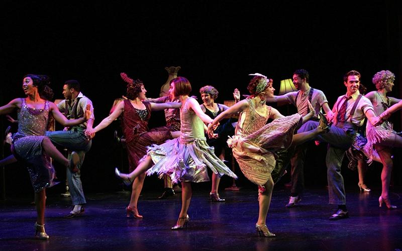the cast of Thoroughly Modern Millie (photo: Diane Sobolewski)