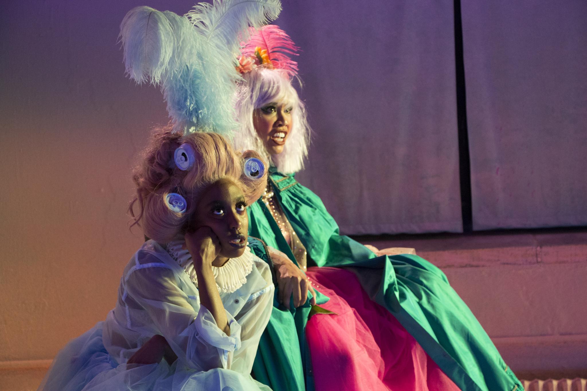 Cordelia (Amandla Jahava), Lear (Francesca Fernandez McKenzie) (photo: Elsa Gibson Braden)
