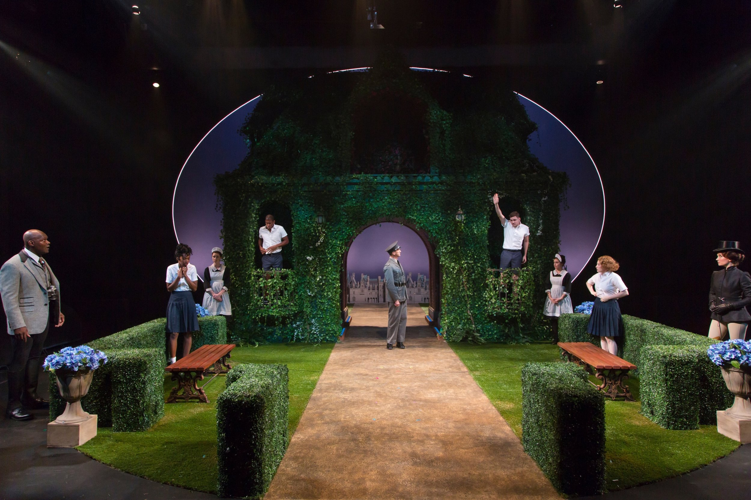 The cast of A Midsummer Night's Dream, Hartford Stage (photos: T. Charles Erickson)