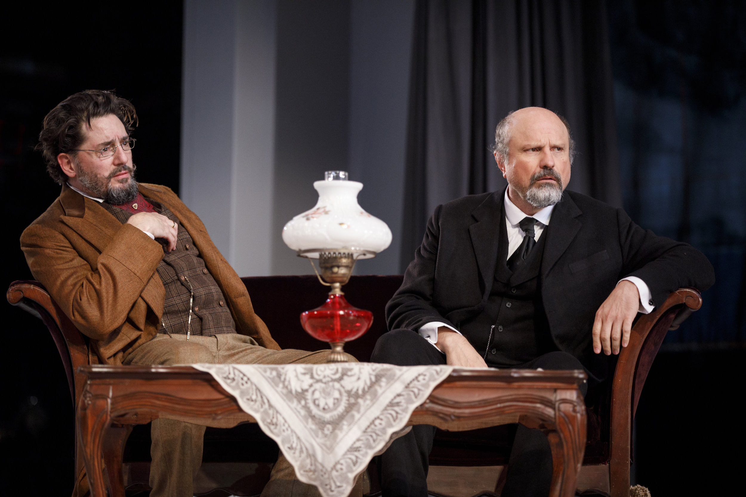 Dr. Thomas Stockmann (Reg Rogers), Mayor Peter Stockmann (Enrico Colantoni)