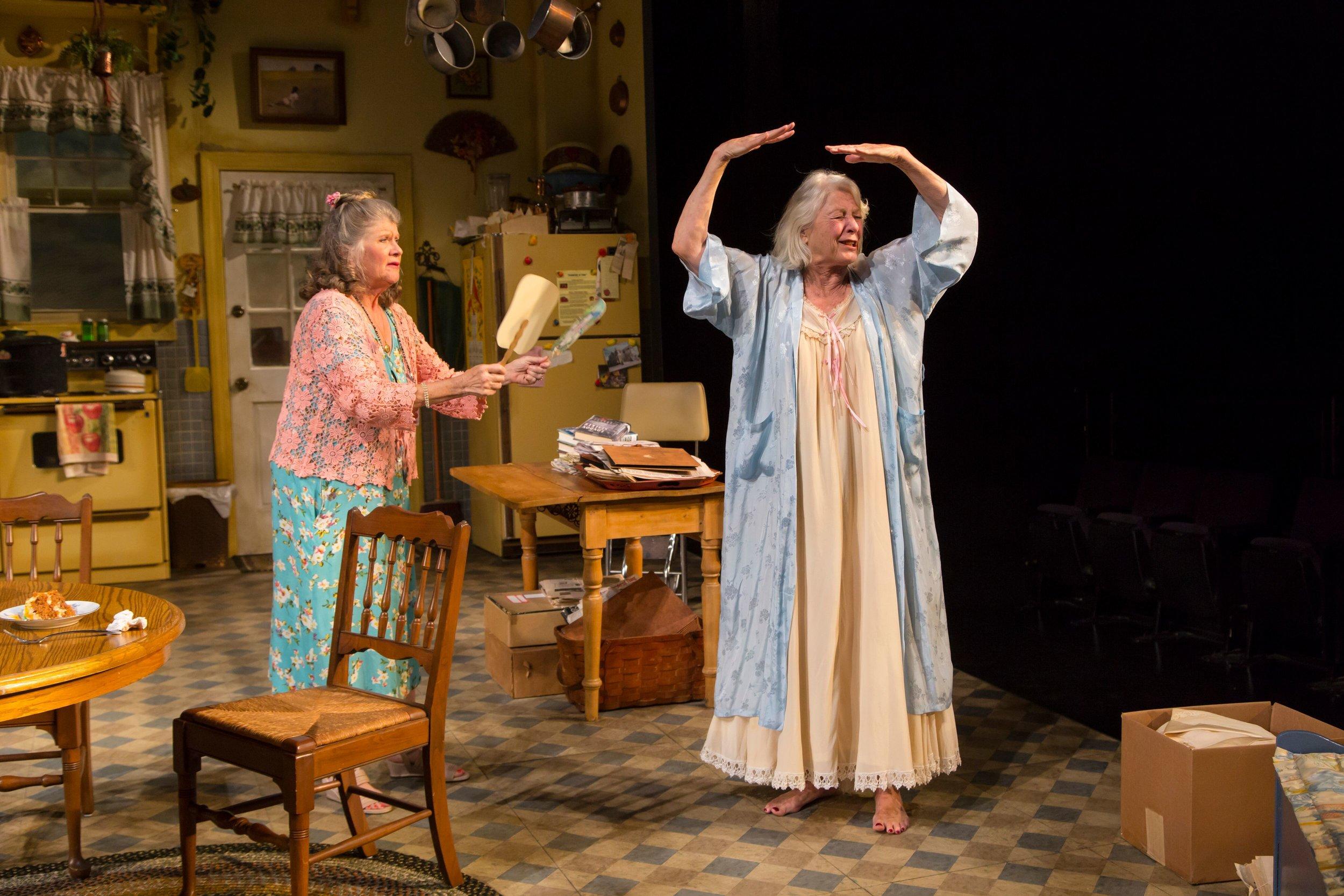 Grace Bodell (Judith Ivey), Eleanor Bannister (Jane Alexander)