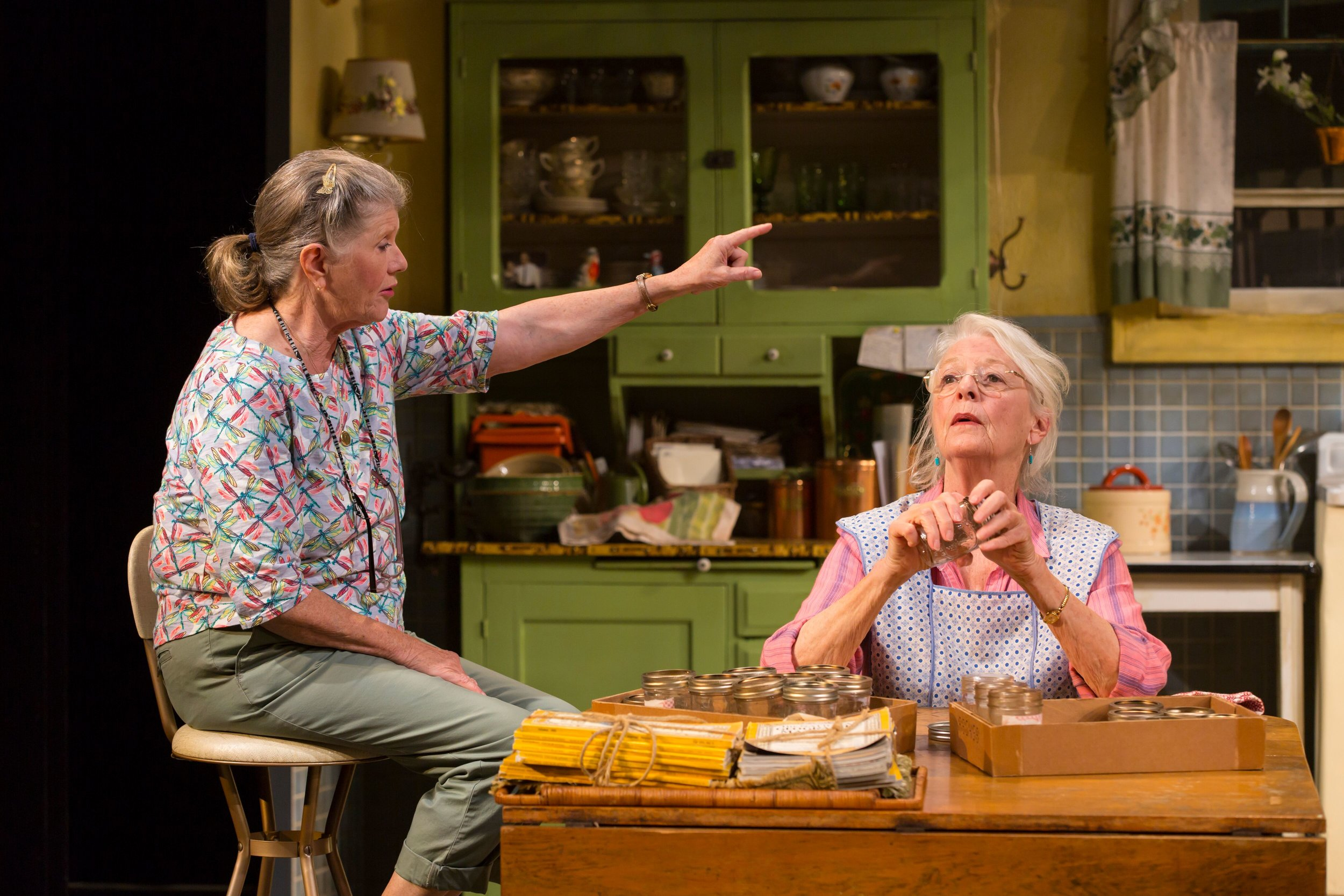 Grace Bodell (Judith Ivey), Eleanor Bannister (Jane Alexander) (photos by T. Charles Erickson)