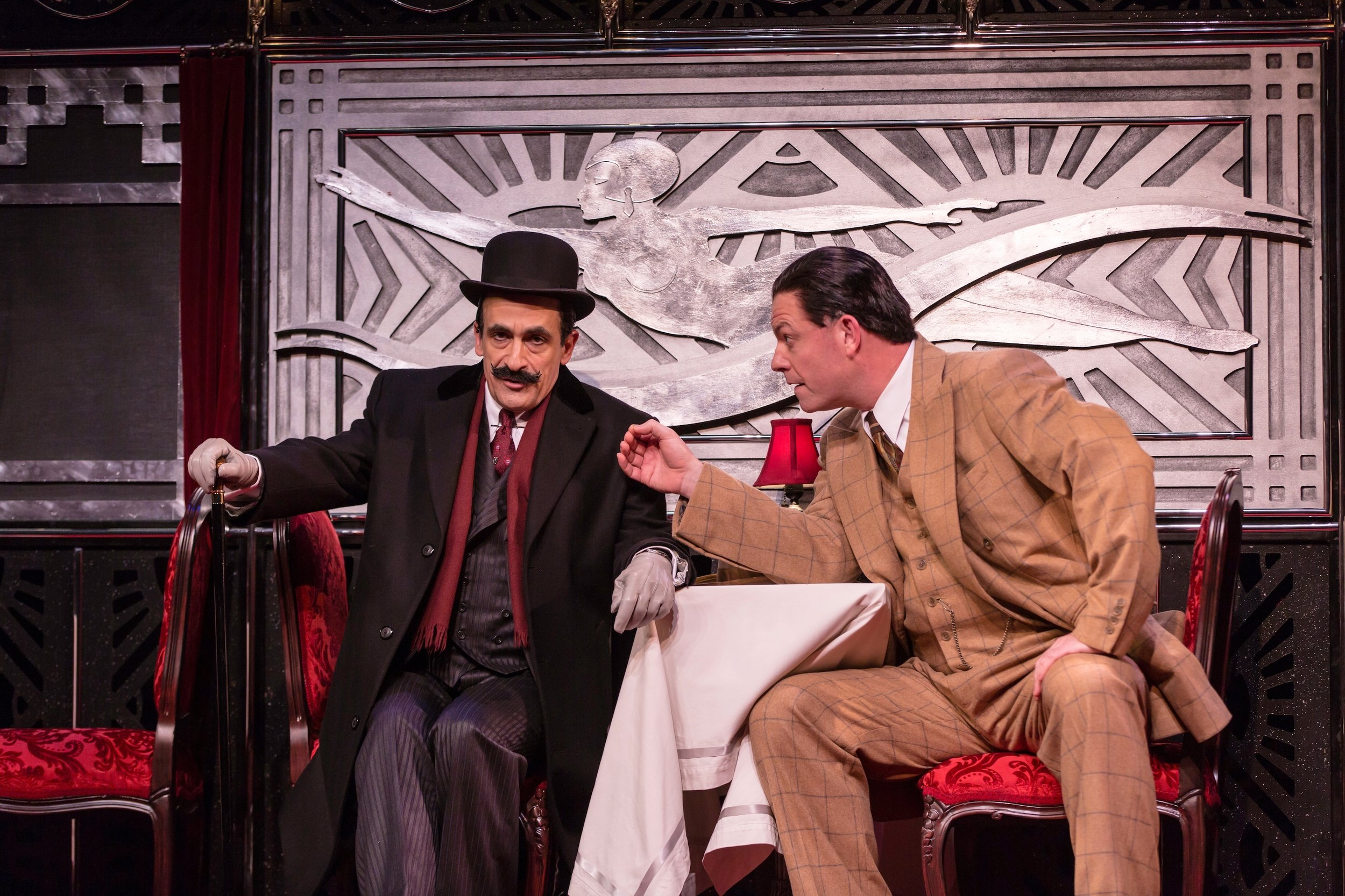Hercule Poirot (David Pittu), Ratchett (Ian Bedford) (photos: T. Charles Erickson)