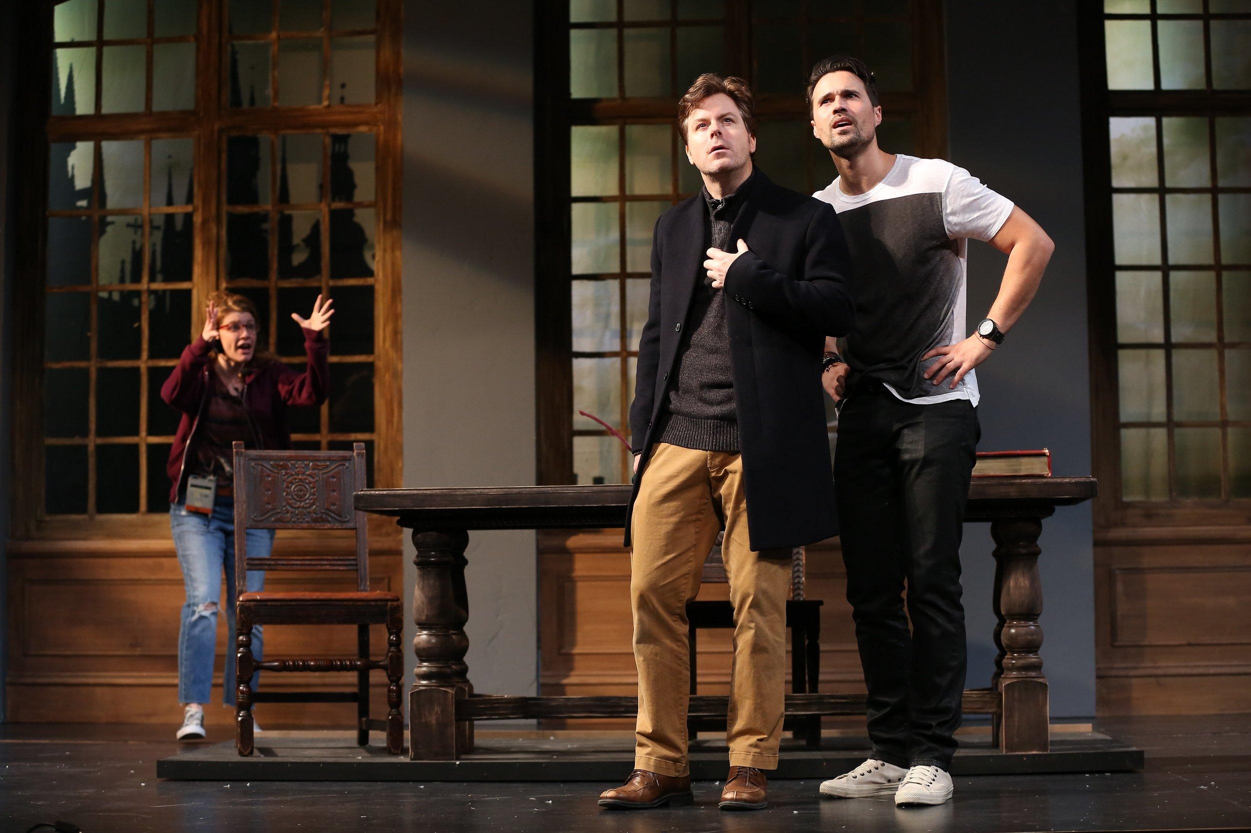 Roxanne (Andrea Syglowski), Harry (Eric Bryant), Jake (Brett Dalton) (photos: Carol Rosegg)