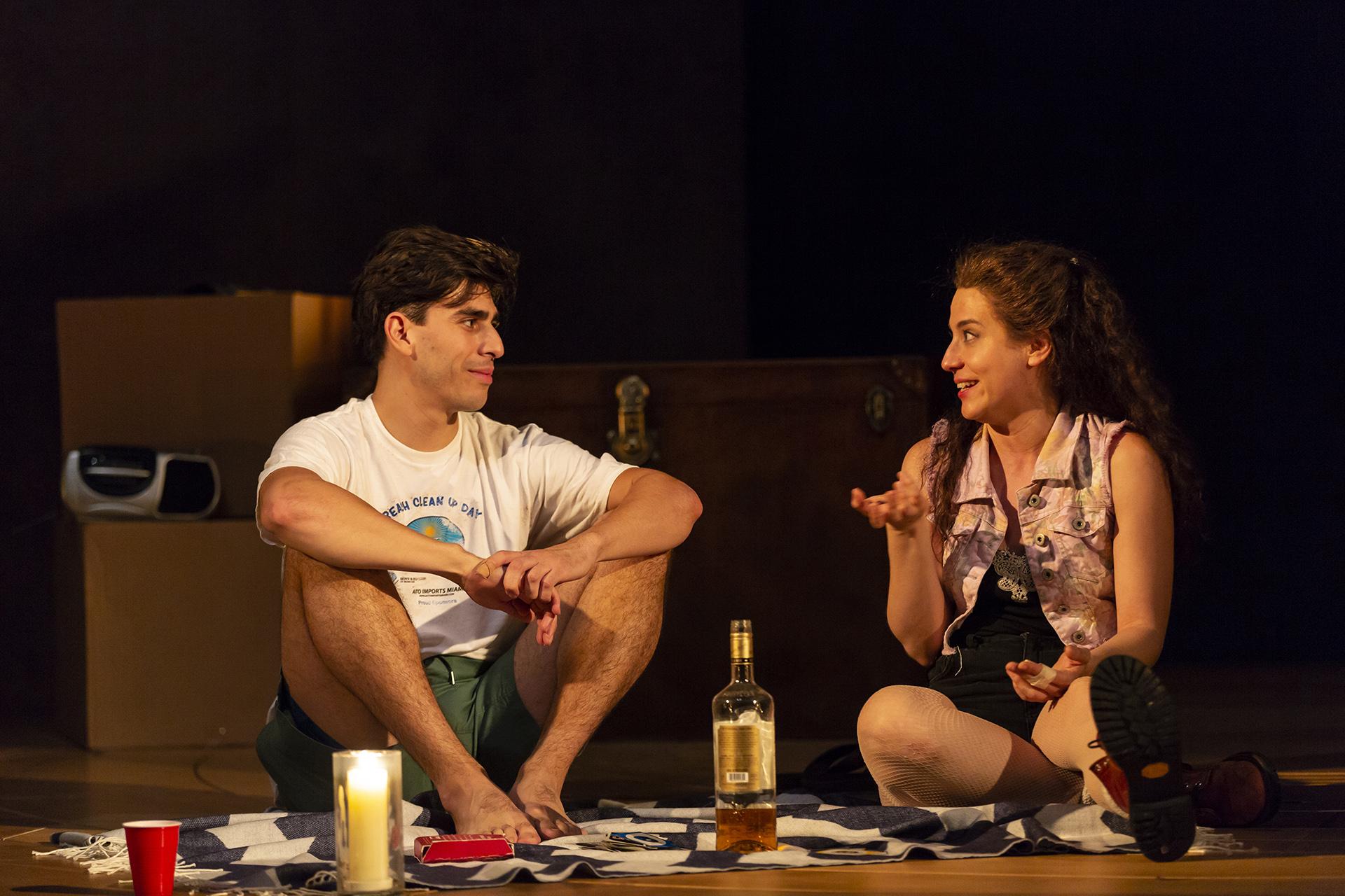 Fernando (Arturo Soria), Miranda (Irene Sofia Lucio)