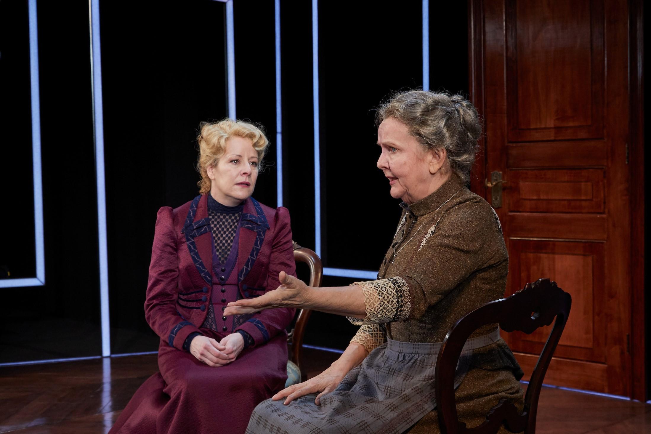 Nora (Tasha Lawrence), Anne Marie (Ameila White)